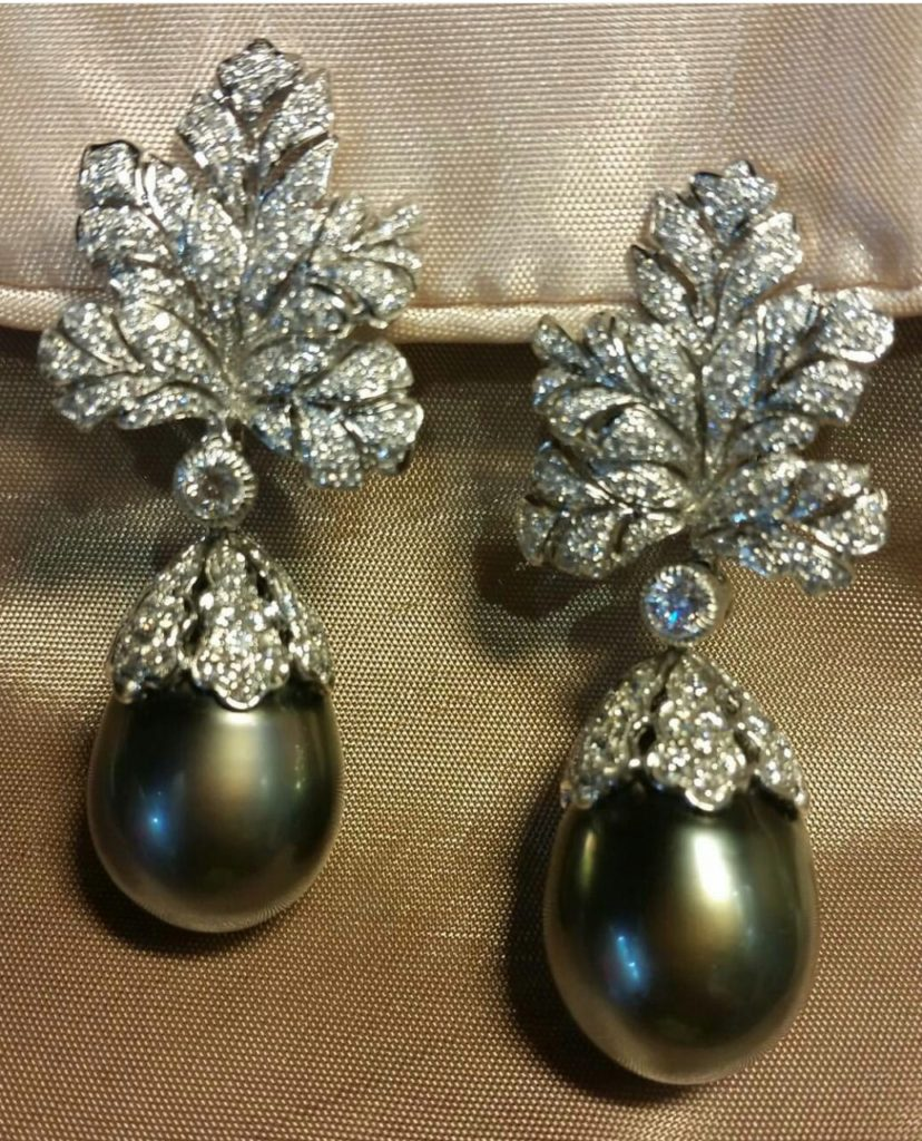 Stunning pearl earrings!